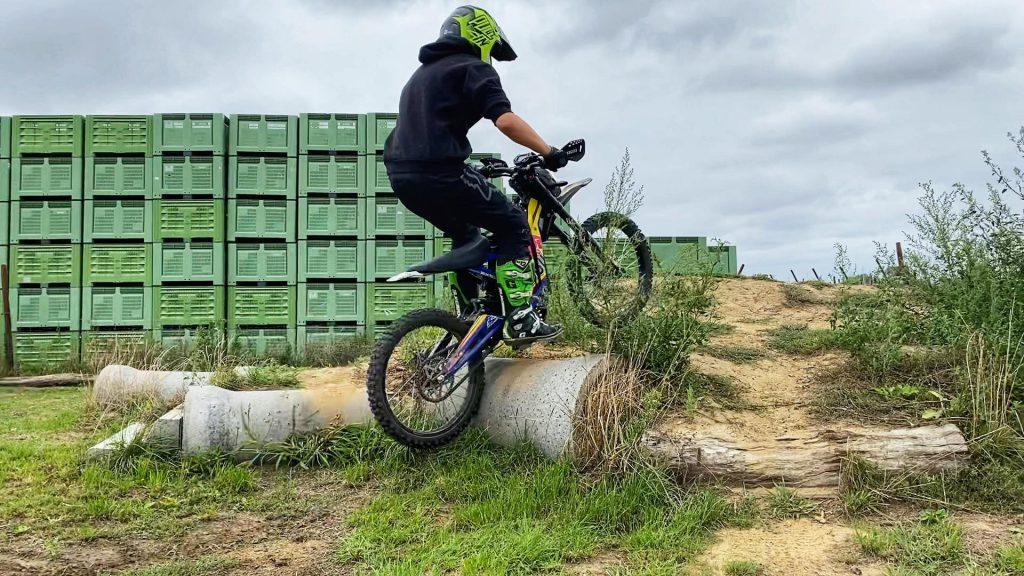 elektirsch offroad rijden E-Training Sur-ron Endurofun 7